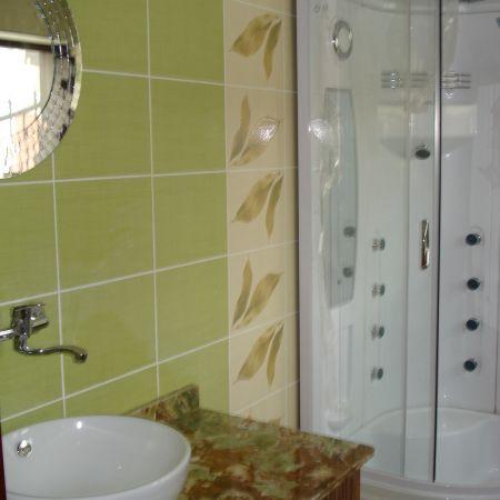baie mica faianta verde