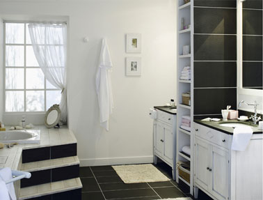 model baie alb cu negru placi mari