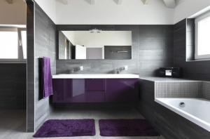 placi mari violet cu alb