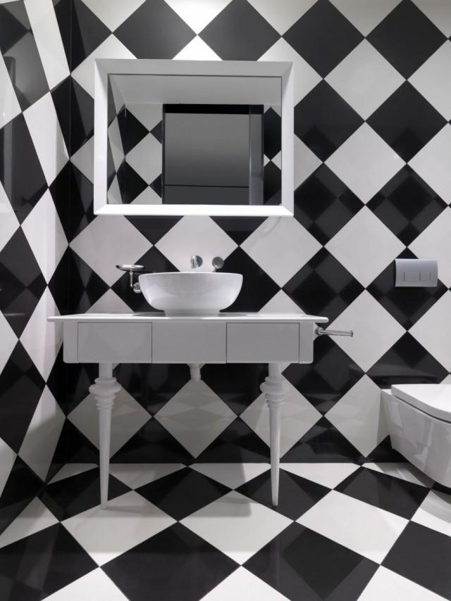 diagonala alb negru baie